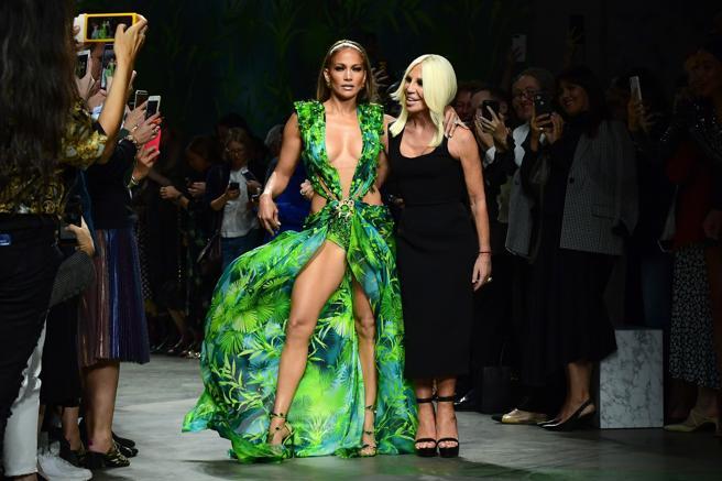 Jennifer López y Donatella Versace-kZaD--656x437@LaVanguardia-Web