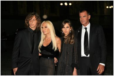Donatella y su familia.