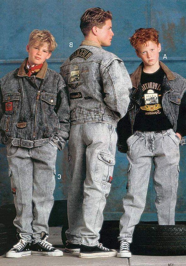 Chicos con ropa de jeans