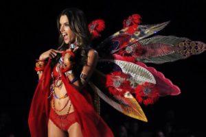 Alessandra Ambrosio: El Ángel más Explosivo de Victoria's Secret