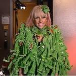 Lady Gaga y su abrigo de la Rana René