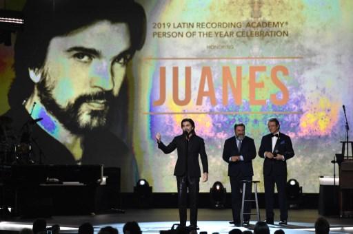 Juanes recibe el premio a Persona del Año en el Latin Grammy 2019