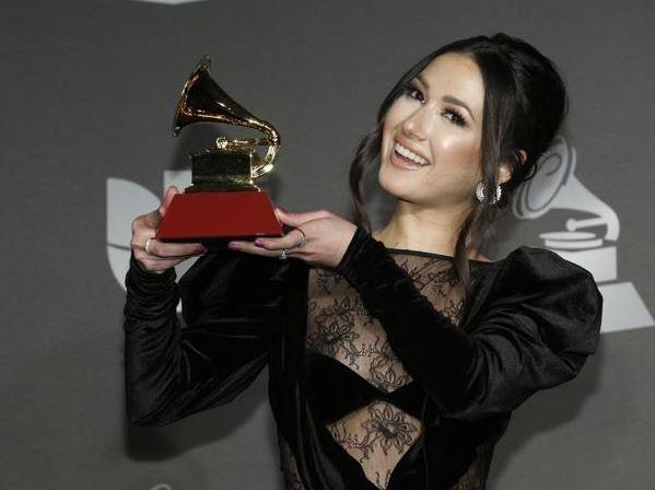 Nella Latin Grammy