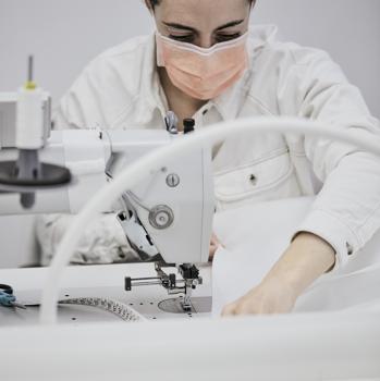 Fabricación de batas médicas