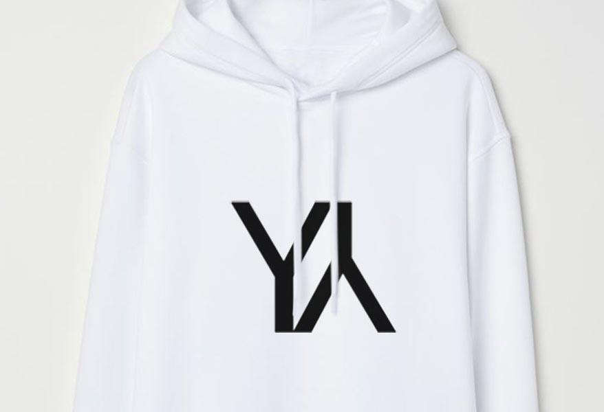Yliana Yepez se reinventa con su colección YY Hoodies para su marca athleisure