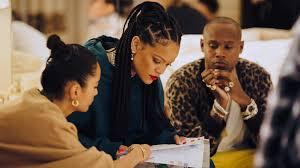 Rihanna y Amina Muaddi
