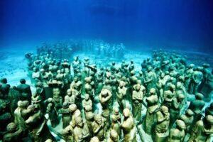 Museo Subacuático de Arte: Una experiencia acuática en Cancún