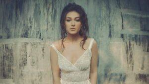 «Solita», la nueva canción de Nella con Sony Music