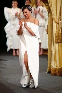 Alicia Rueda y el arte de crear los vestidos de novias más atrevidos