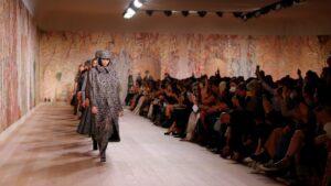 Dior inauguró los desfiles la Semana de la Moda de Alta Costura en París