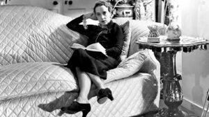 Elsa Schiaparelli, la diseñadora que inspiró a Dalí y rivalizó con Coco Chanel