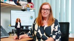 Mattel rinde homenaje a Sarah Gilbert, co-creadora de la vacuna contra el covid-19, con la creación de una muñeca Barbie