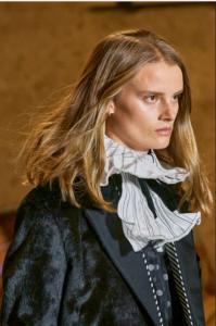 Louis Vuitton y los vampiros viajeros del tiempo
