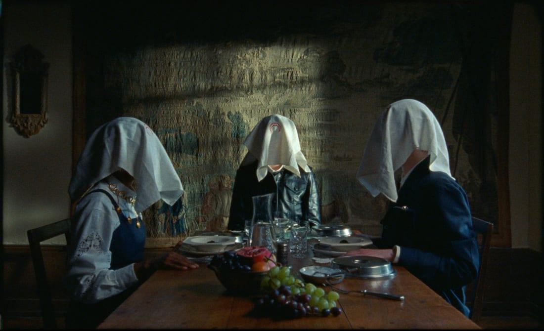 Fotograma de la última película digital de Marine Serre